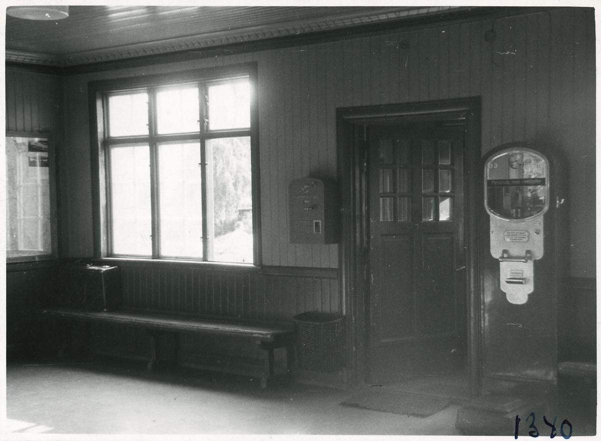 Övertorneå stations väntsal.