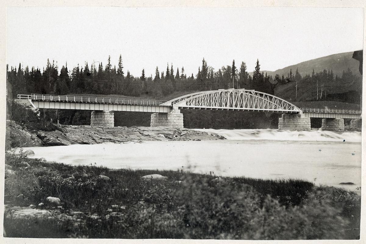 Järnvägsbro över Indalsälven vid Duved på linjen mellan Åre och Storlien.