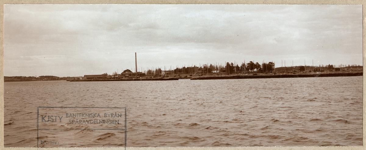Lövholmen och Statens Järnvägars slipersfabrik i Piteå.