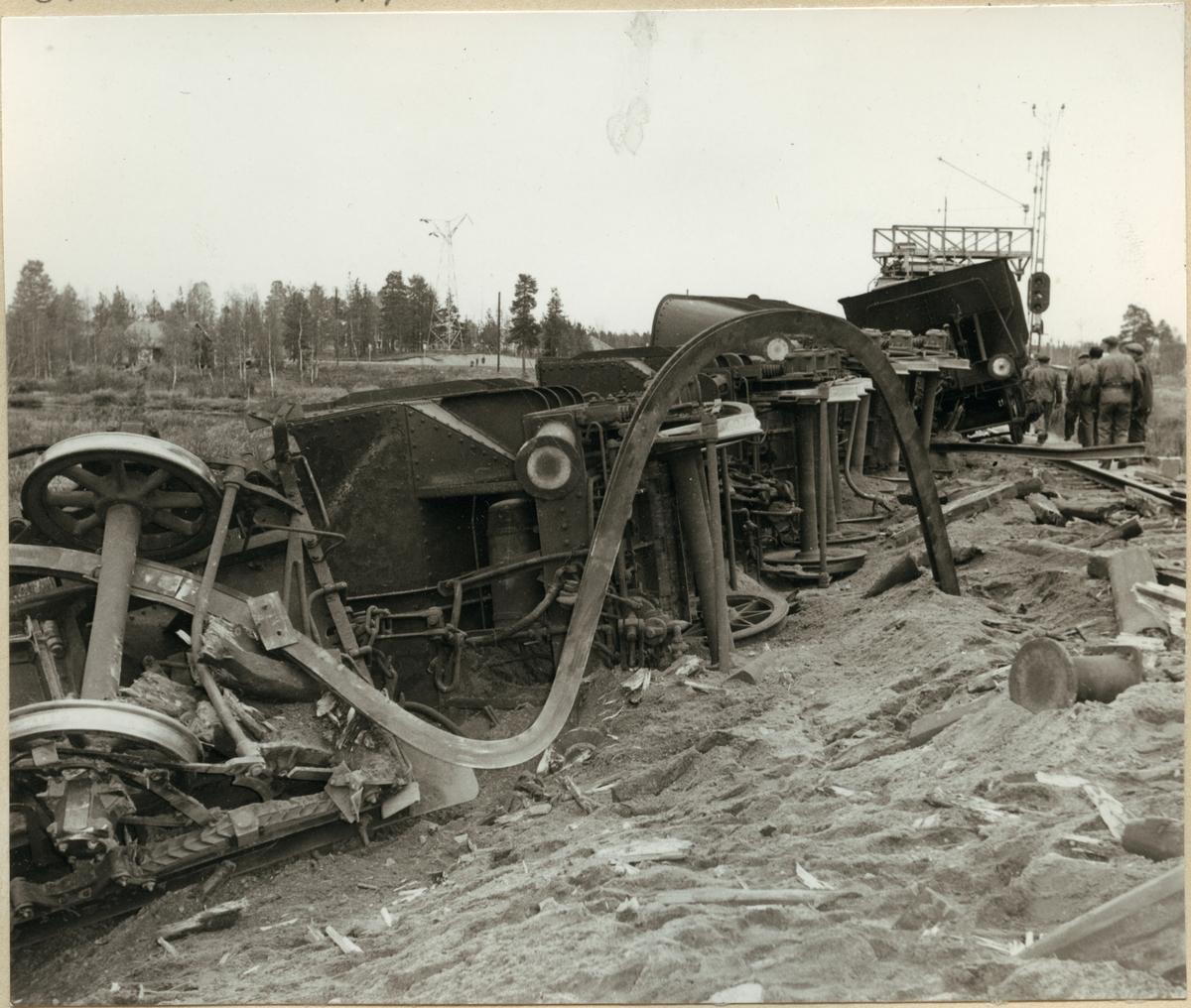 Urspårade malmvagnar vid olyckan i Nattavaara 1953.