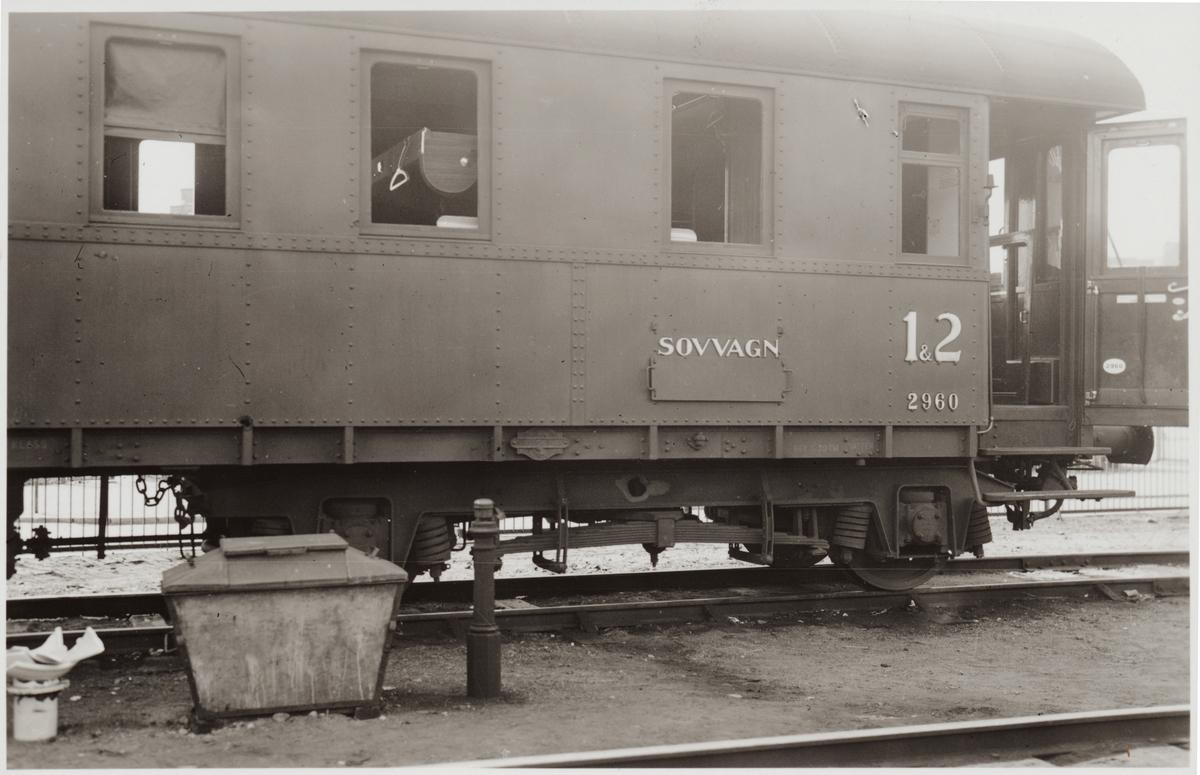 Statens Järnvägar, SJ ACo4 2960 som blev skadad efter bombning i Narvik fotograferad på Stockholm centralstation.