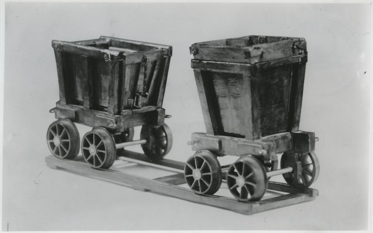Modell av vagnar använda vid Höganäs gruv järnväg