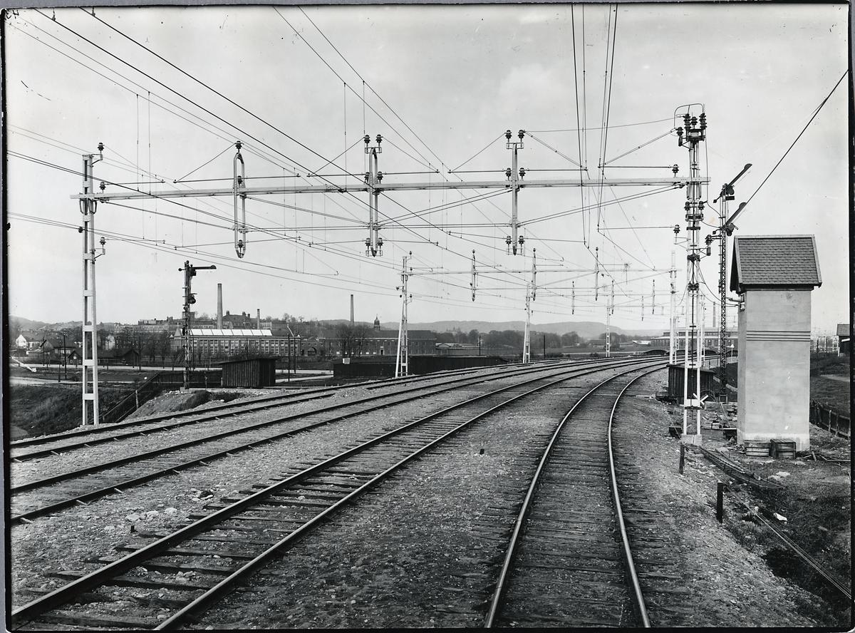 På linjen mellan Stockholm - Göteborg. El-driften av västra Stambanan.