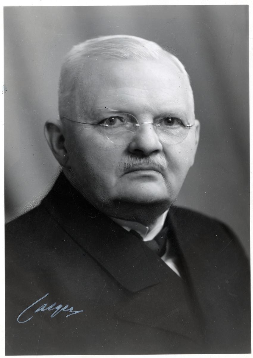 Byråchef Ivan A. Öfverholm vid Elektrotekniska byrån.