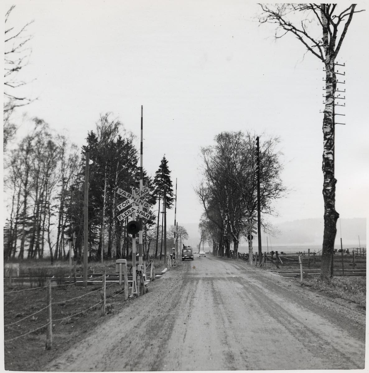 Järnvägsövergång vid Sövdeborg håll- och lastplats, på sträckan mellan Sjöbo och Eriksdal.