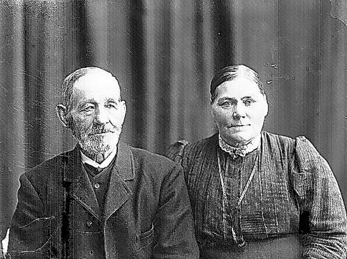 Johan Petter Larsson och hustrun Anna Sofia Johannesdotter.