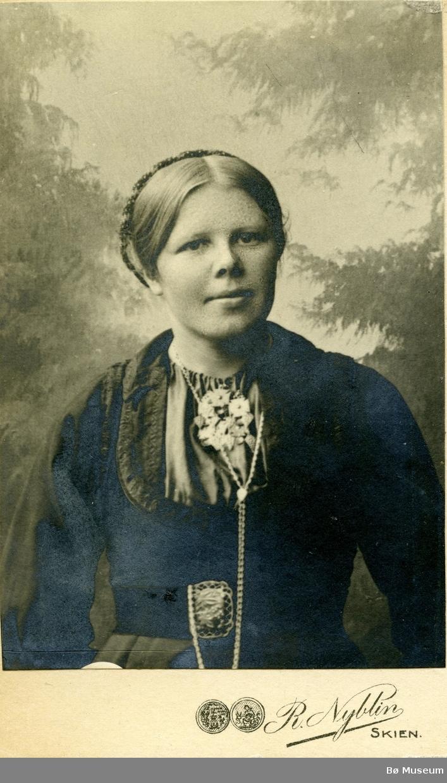 Portrettfoto av Anne Torshøl