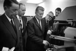 Pressvisning av SCA:s IBM-anläggning.