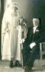 Brudebilde av Kristi Holtegard Løstegard og Knut Løstegard.