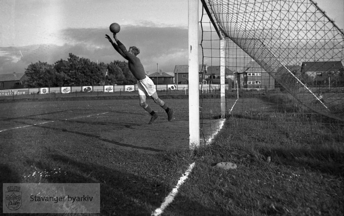 Politiidrettstevne på Stavanger Stadion, 1937. .Fotball.