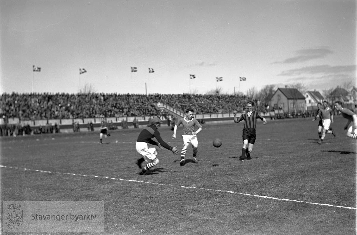 Lynturnering, Stavanger Stadion. Fotballkamp .Fotball.