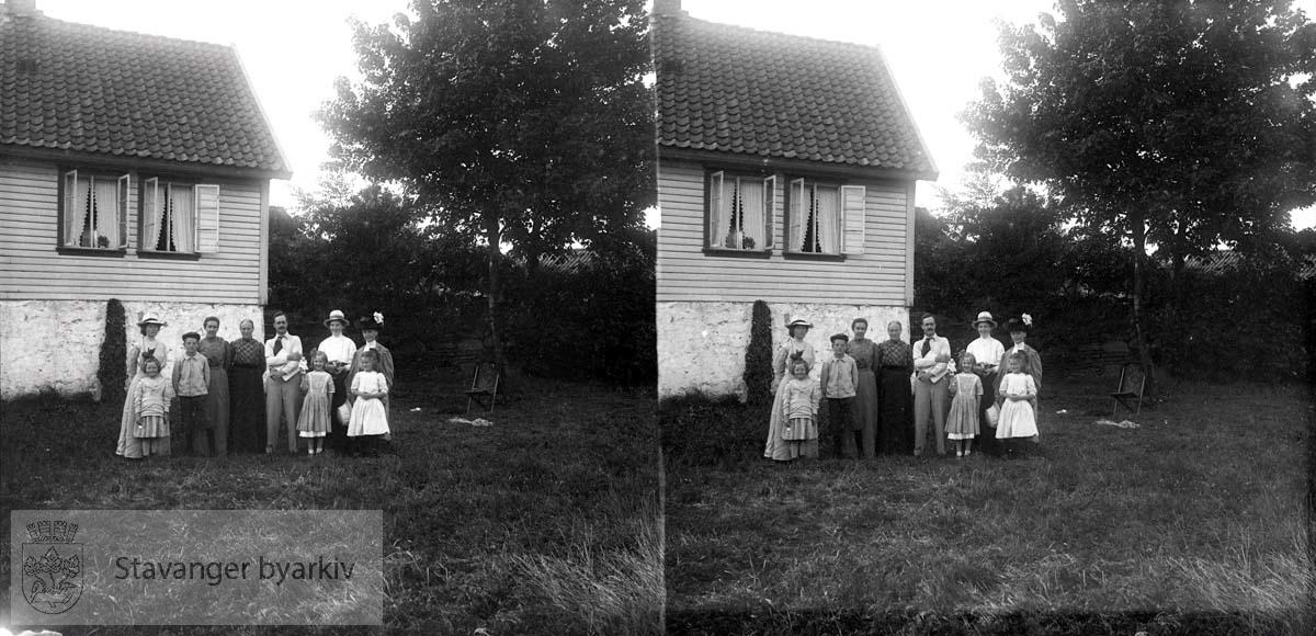 Michael Eckhoff, Nicoline og Borghild på reise til Rennesøy....Stereofotografi..