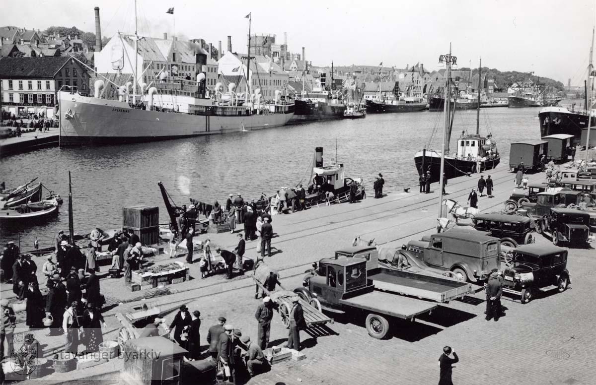 Skipet Solferino fortøyd ved Strandkaien.