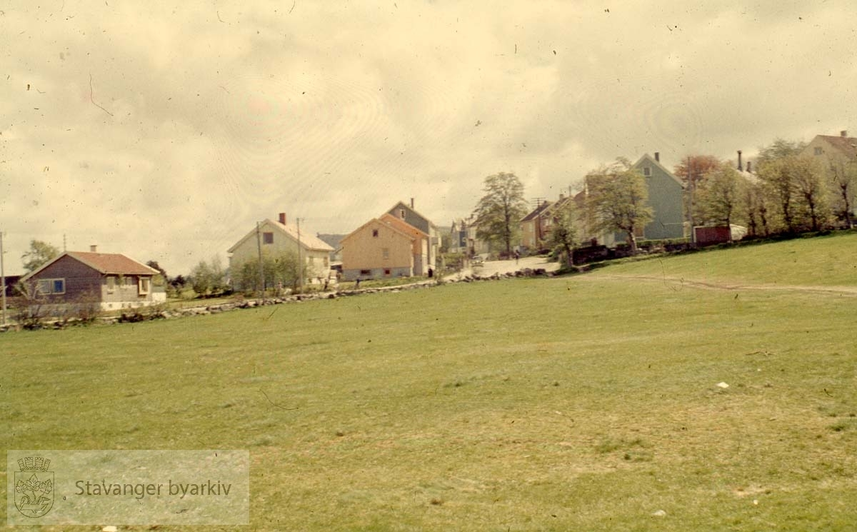 Kirketomta på Bergemarka. Bruket Berge lå her tidligere. Det hadde bruksnr. 12 og var underlagt Hetlands prestegård.