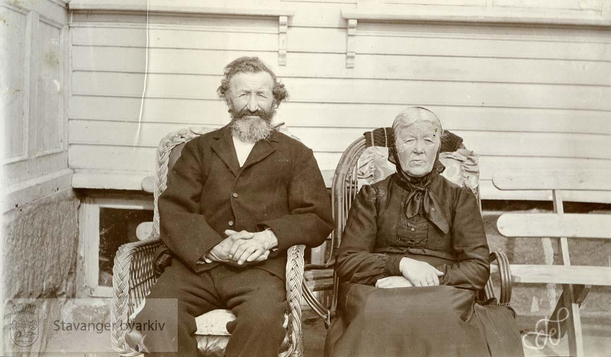 T. Edland og frue