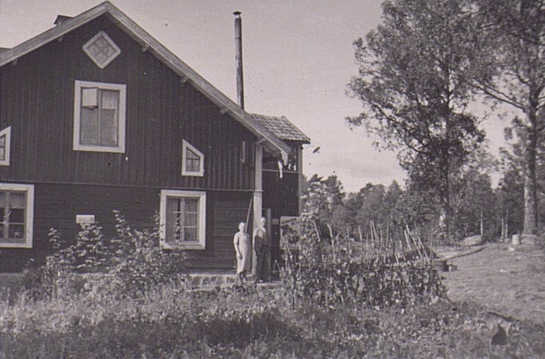 Ubby telefonstation. År 1942. Exteriör.