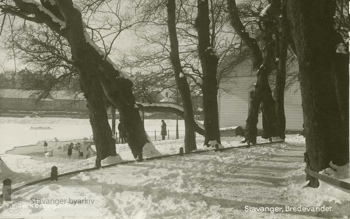 Byparken..Snøbilde, Josefinestiftelsen i bakgrunnen