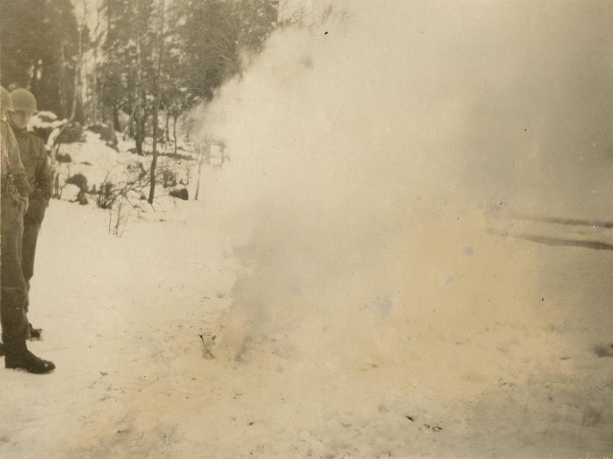 Bilder från stormsoldatskolan våren 1924, konstgjord dimma.