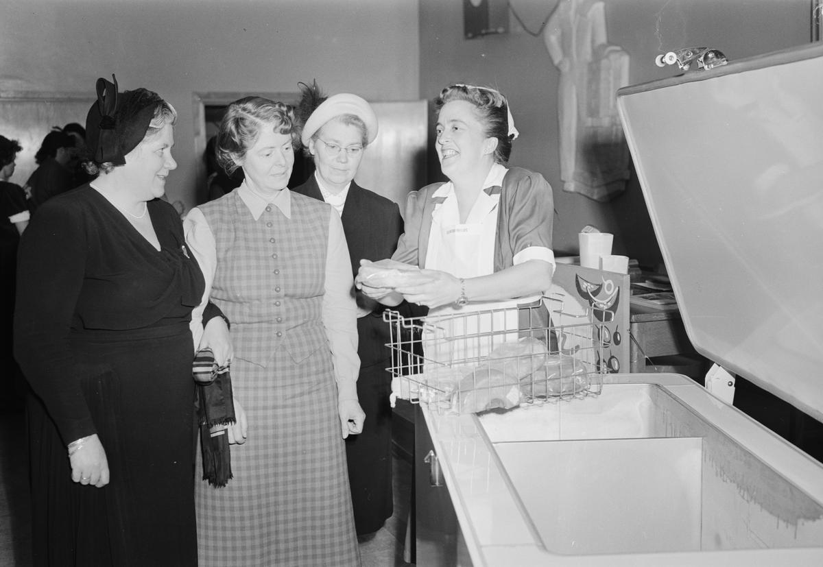 Wolrath & Co, hemfrysbox, Folkets hus, Uppsala, mars 1954