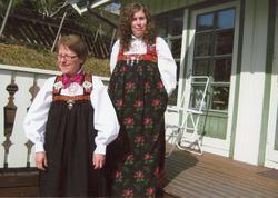 Frå v.Kari Barskrind Ulsaker og Marianne Ulsaker.