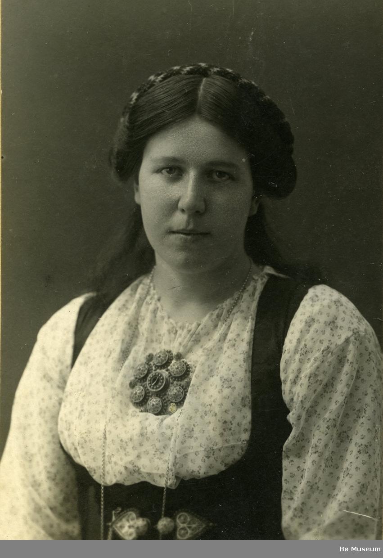 Brystbilete av ung kvinne