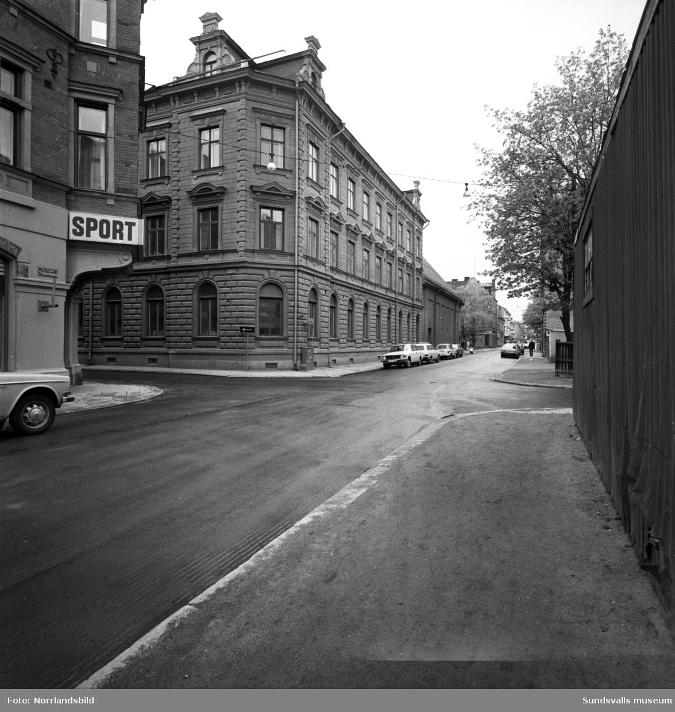 Trädgårdsgatan västerut vid Bankgatan, närmast till vänster Georgs sport.