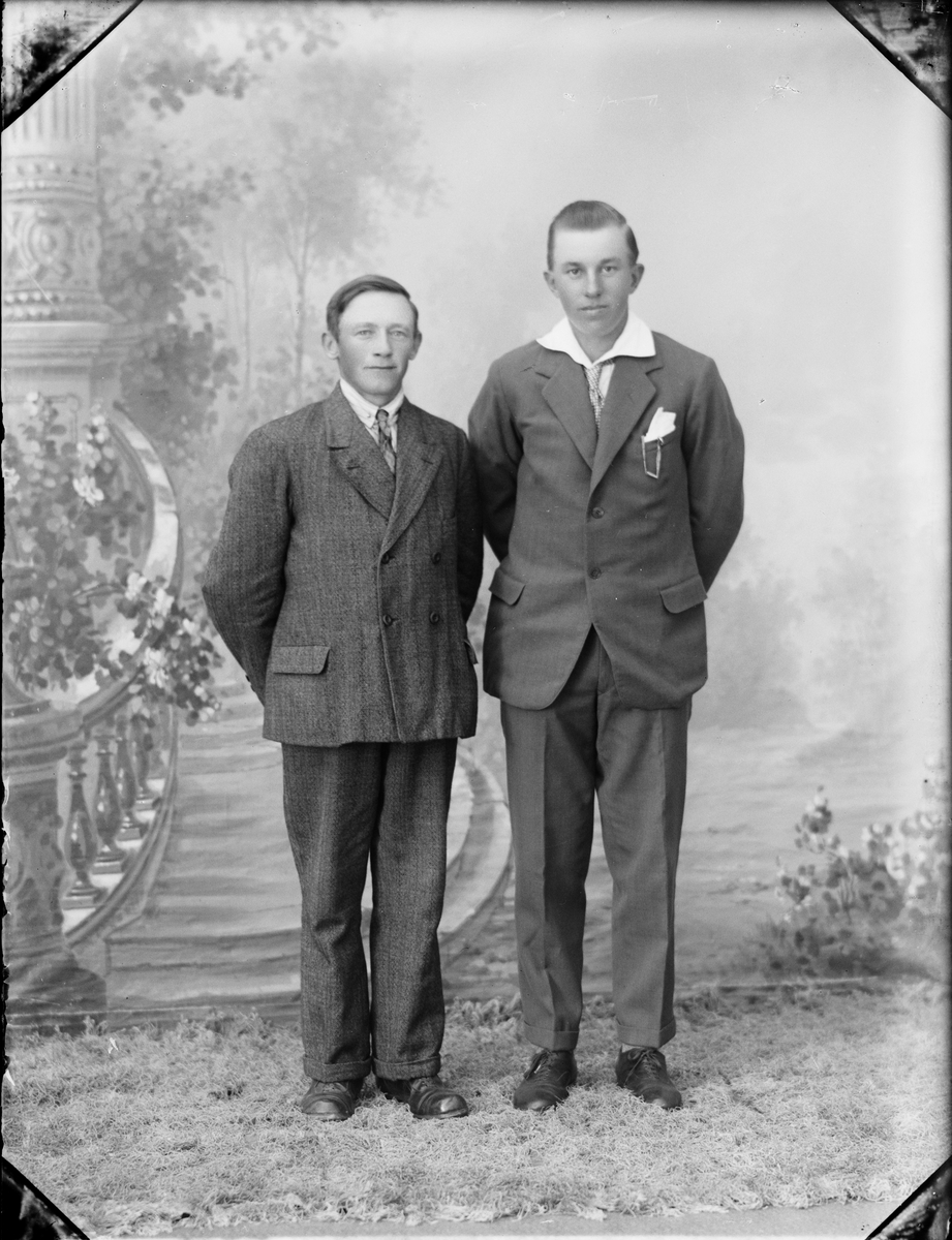 Två män, Östhammar, Uppland
