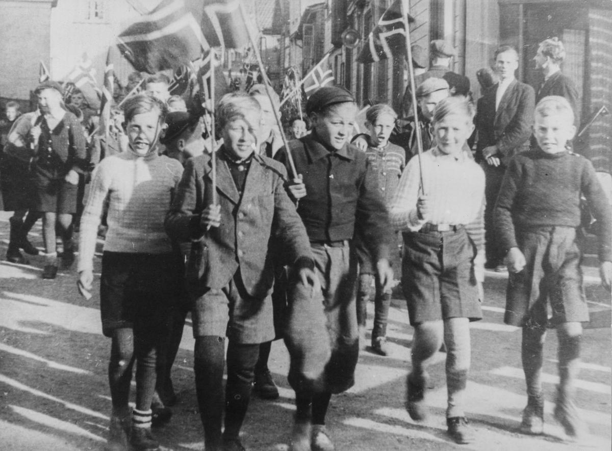 Det spontane barnetoget, frigjøringsdagen 7. mai 1945