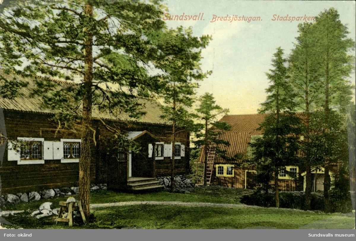 Vykort med motiv över Bredsjöstugan på Norra Stadsberget i Sundsvall.