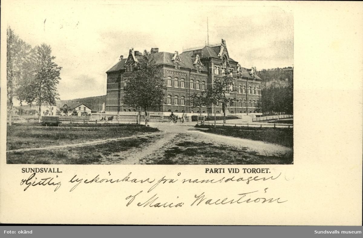 Vykort med motiv över flickskolan i Sundsvall.