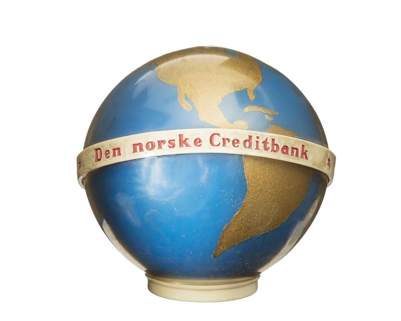 Sparebøsse fra Den norske Creditbank. (Foto/Photo)