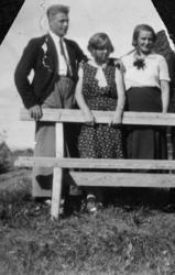 F.v. Lennard Nerhagen, Tilla Myhre, Lydia Bakken, Ottestad.