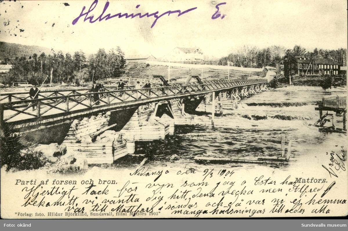 Vykort med motiv av forsen och bron över Ljungan i Matfors.