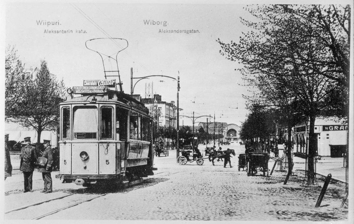 Viipurin Kaupungin Sähkölaitos, VKS 5 på Alexandersgatan, sedemera Repolagatan, norrut mot järnvägsstationen. Bilden är tagen medan Viborg fortfarande tillhörde Finland.
