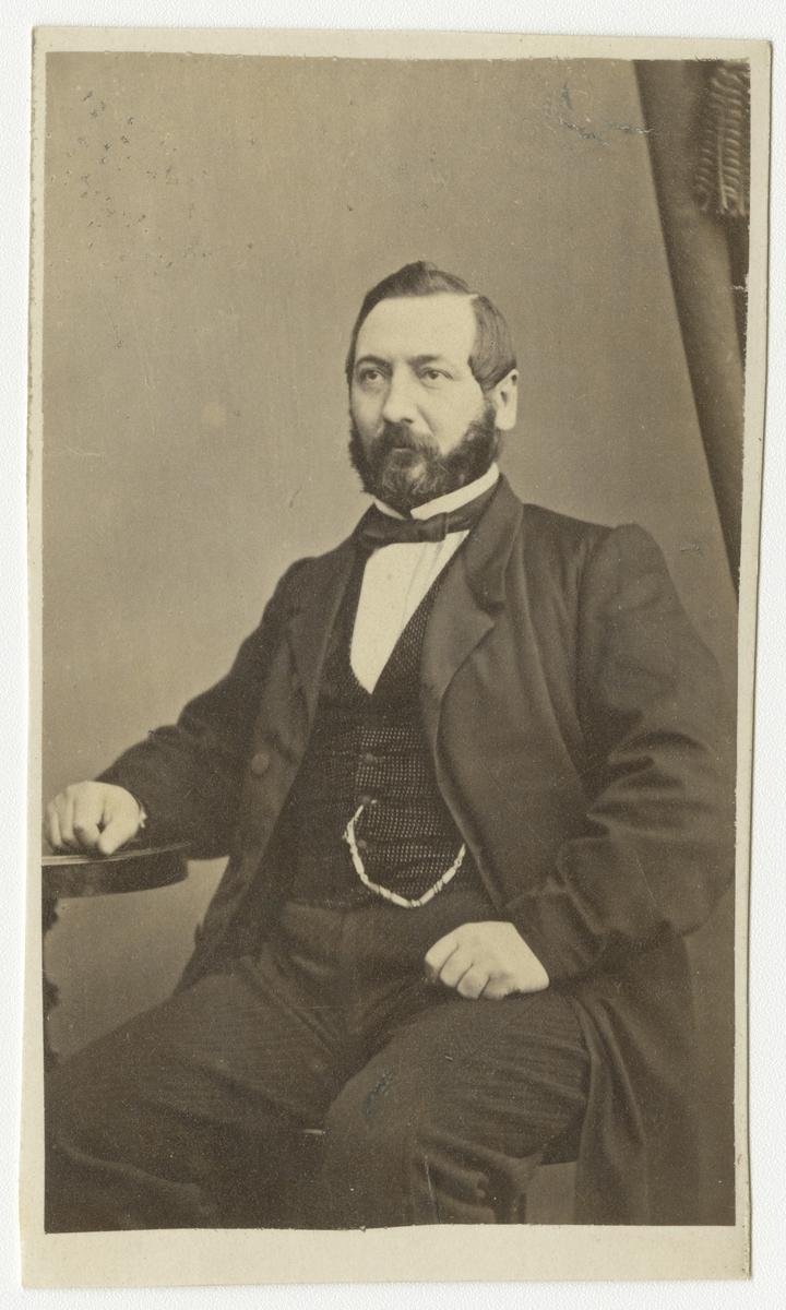 Porträtt av Adolf Fredrik Olsson, auditör vid Andra livgrenadjärregementet I 5.