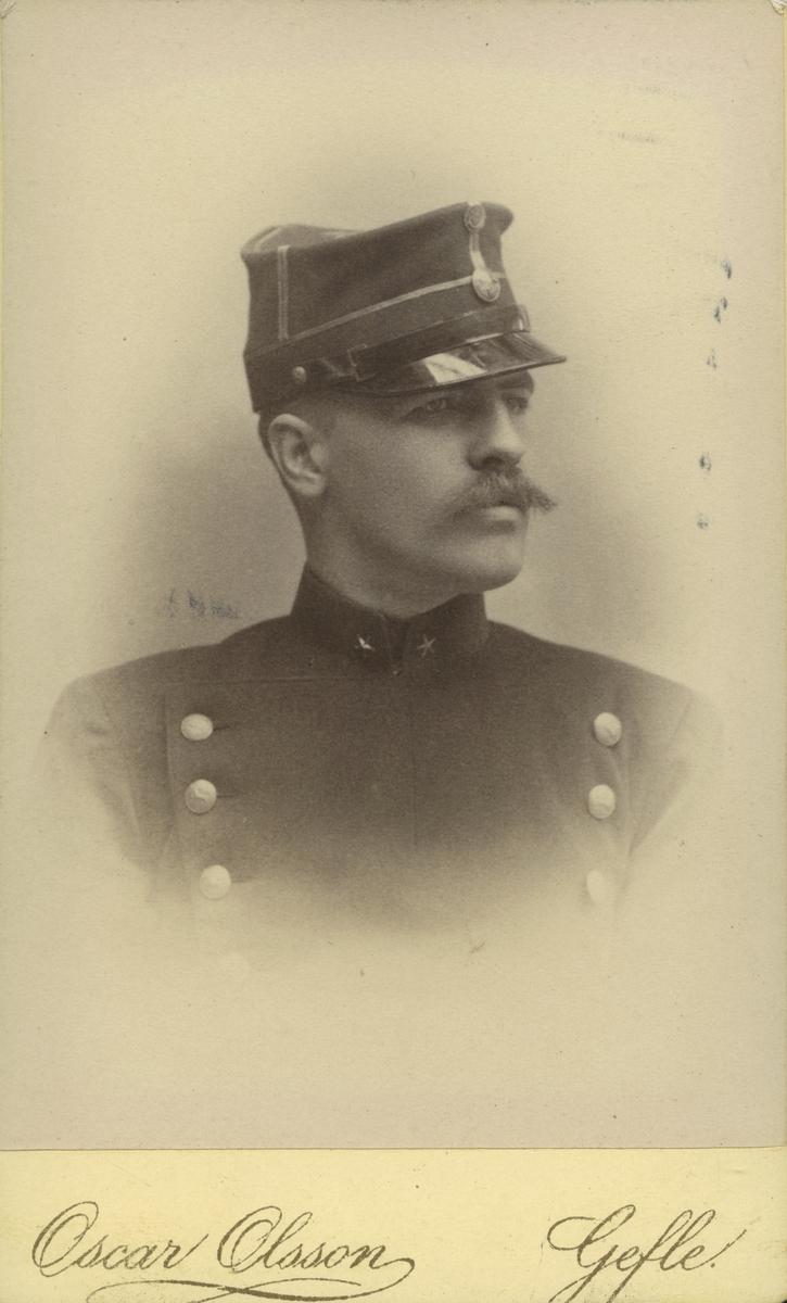 Fänrik i Hälsinge regemente,1891. Gustaf Swedlund.