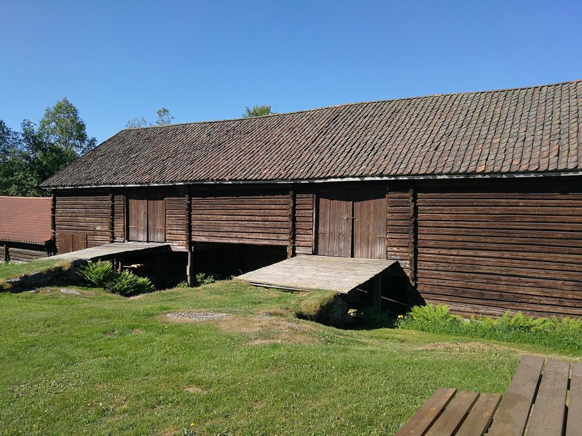 Låve fra Søgarn Åsgarn i Åsleia, fra ca. 1800. Overtatt av museet i 1956. Ferdig oppført i 1965.