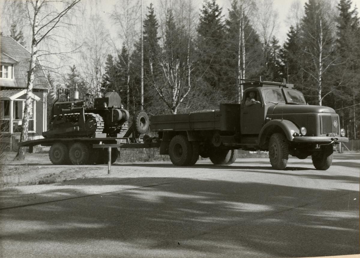 Prov med lastterrängbil 939 vid Arméns motorskola. Slutprov i Strängnäs i april 1962.