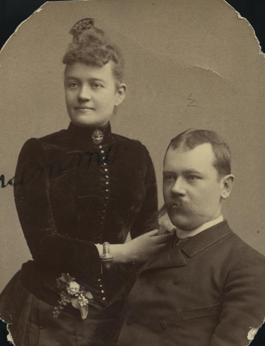 Doktor Åhman med fru f. Emma Tisell.