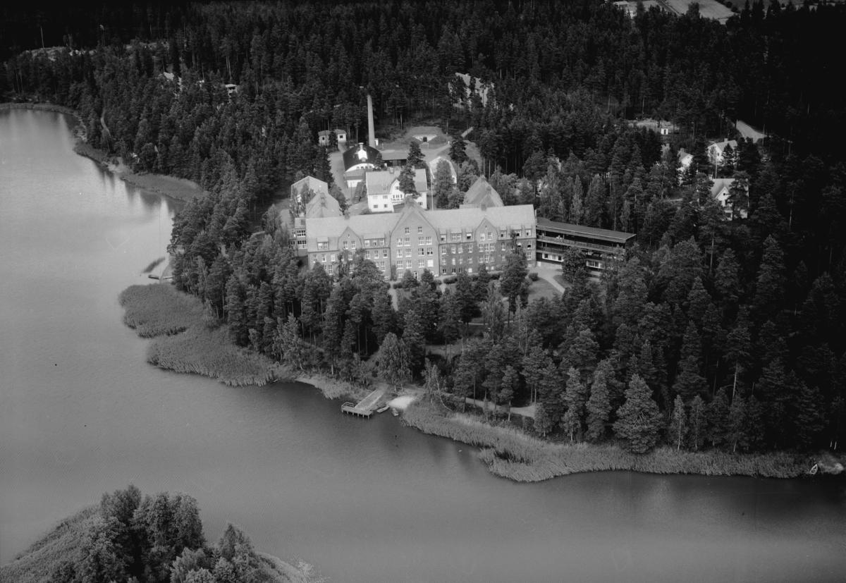 Flygfoto över Eksjö Sanatorium i Jönköpings län. 1198/1962