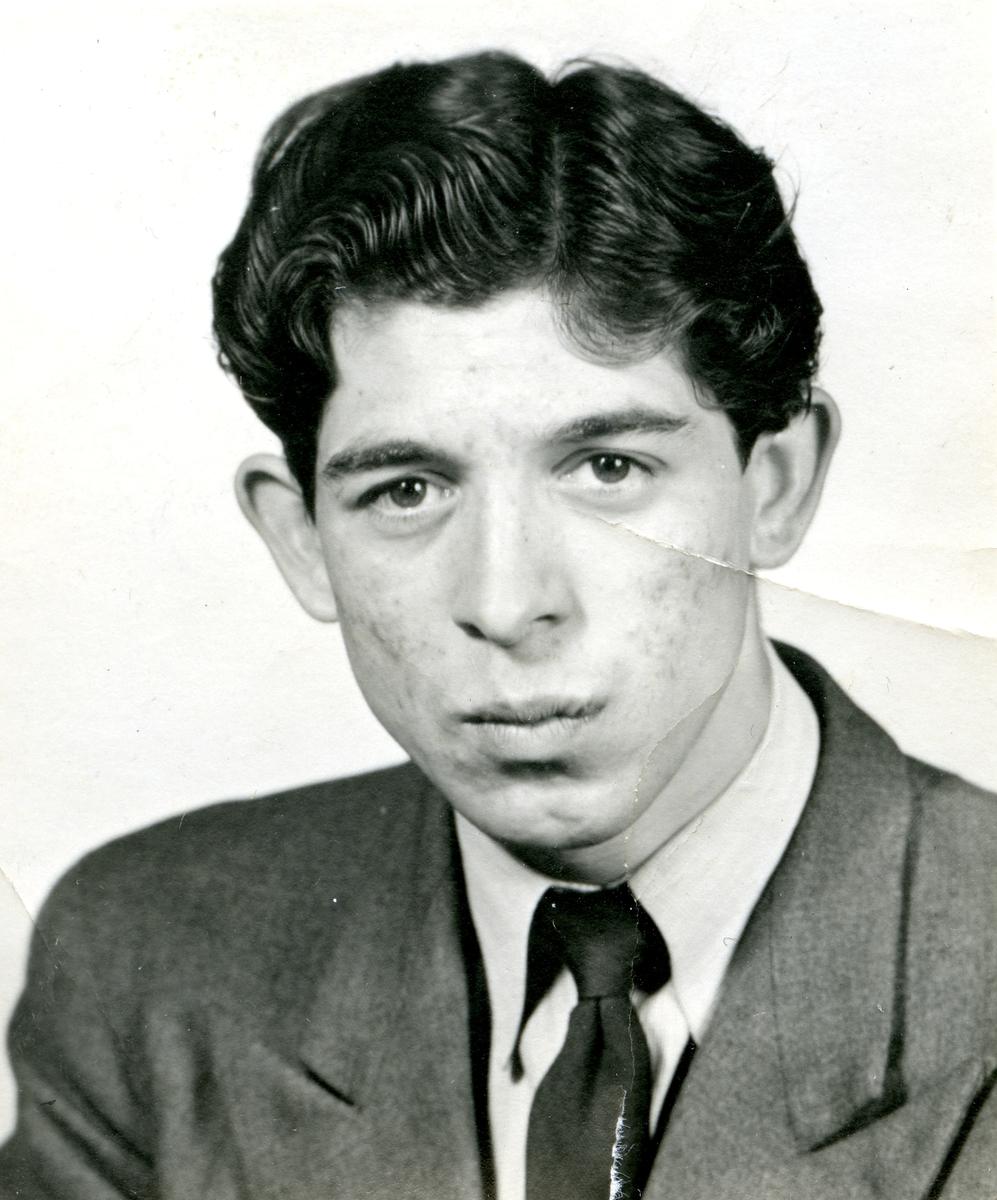 Porträtt av en ung man.