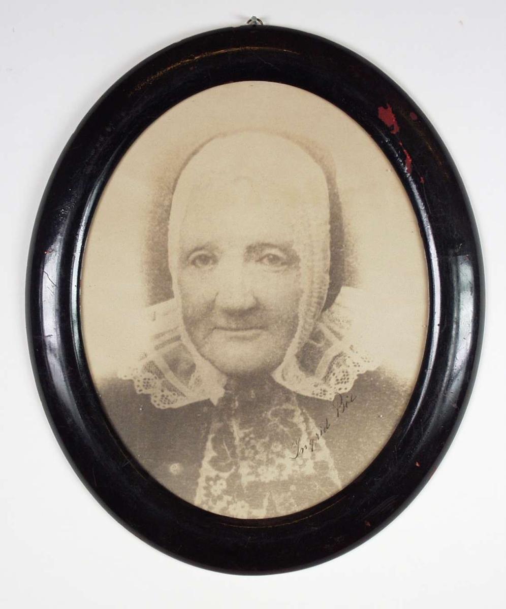 Portrett av Ingrid Bøe.
