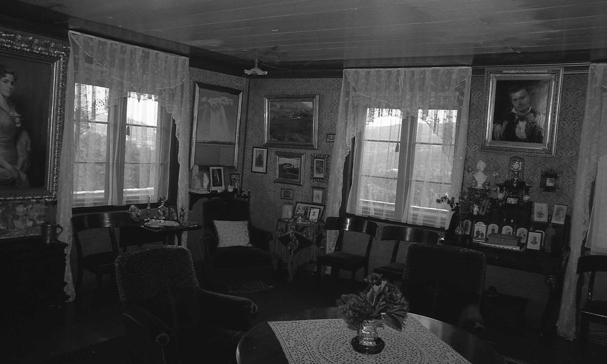DOK:1972-1975, Aulestad, interiør, stue, malerier, stol, bord,