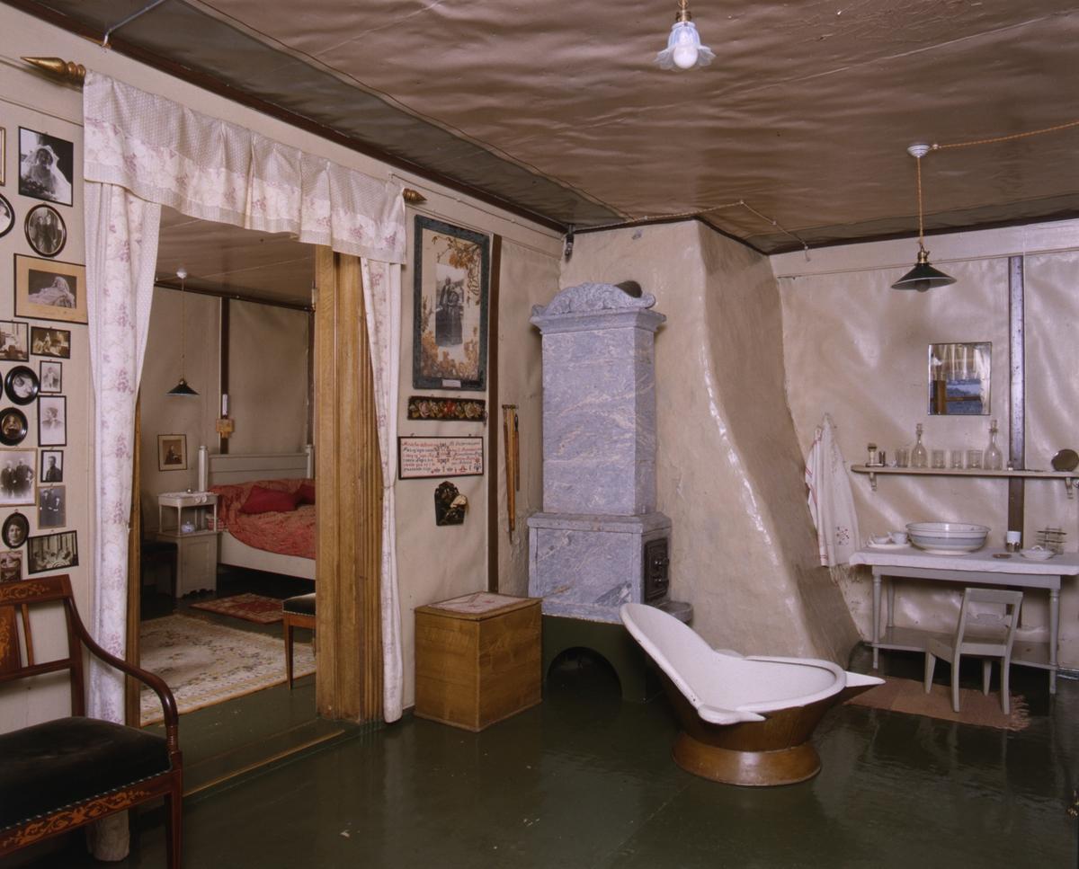 DOK:1991, Aulestad, interiør, påkledningsværelse, badekar, kleberstensovn,