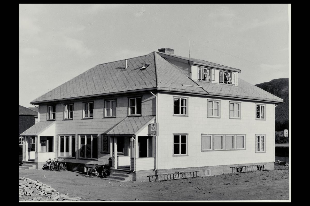 eksteriør, postkontor, 7340 Oppdal, postkasse, postskilt