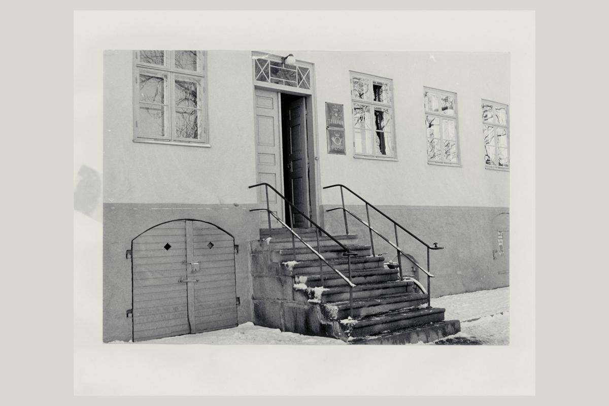 eksteriør, postkontor, 1630 Gamle Fredrikstad, Tollbugaten 37, postskilt