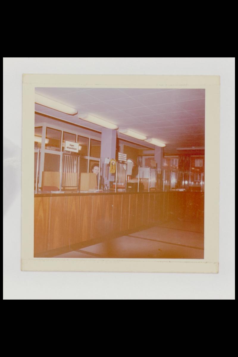 interiør, postkontor, 1101 Lambertseter, publikumshall, ekspeditør
