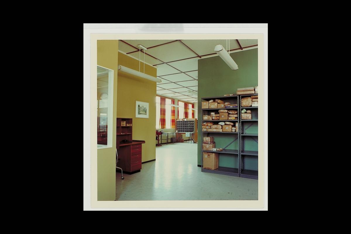 interiør, postkontor, 6200 Stranda, sortering, pakker