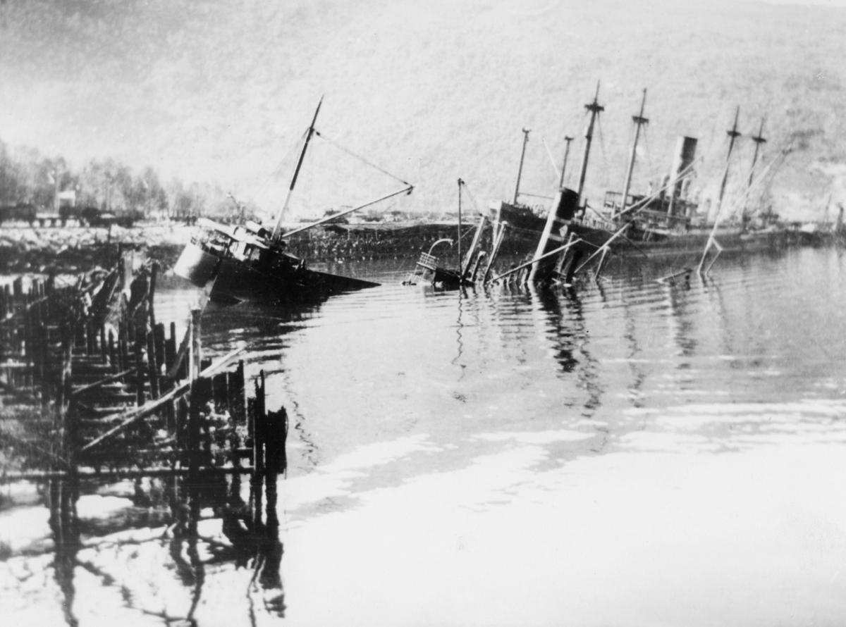 krigen, Narvik havn, eksteriør, synkende båt