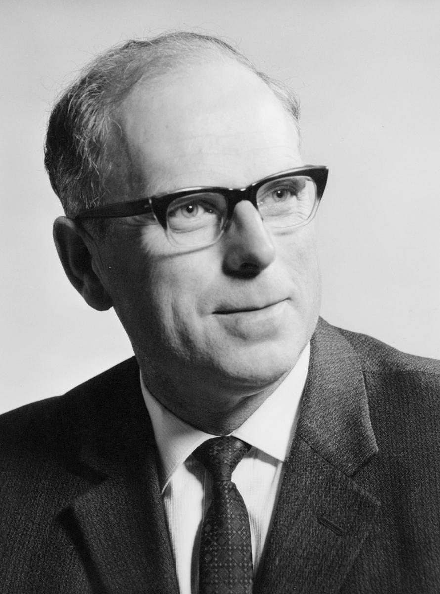 postmester, Hvidsten Iver Olaf, portrett